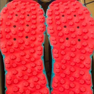 Brooks Shoes - Brooks PureGrit 6 (size 8.5)